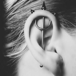 7bb8090fe92 Trident Piercing [25+ Ideas]: Pain Level, Healing Time, Cost ...
