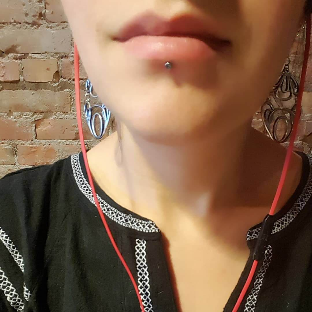 labret piercing healing stages